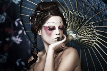 Geisha / plexiglas