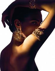Sensual Jewelry / foto op plexiglas