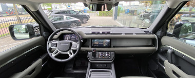 Eerste Land Rover Defender 110 P400 van Nederland!
